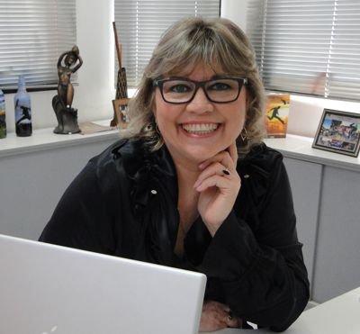 Escritora Helena Ribeiro